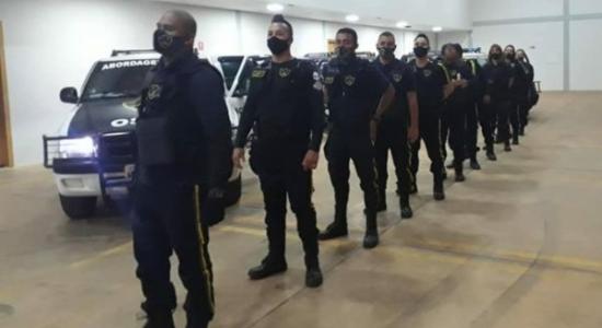 Evangélicos usam viaturas e roupas similares às utilizadas pela polícia