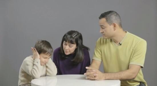 Filhos podem se traumatizar vendo pais fazendo sexo