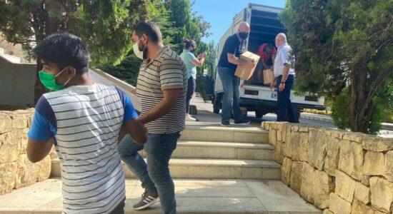 Voluntários têm ajudado arrecadar mantimentos em Beirute