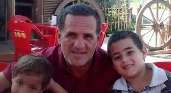 Homem é preso por provocar acidente que matou os dois filhos