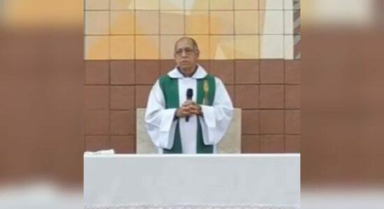 Padre desejou que fiéis morram por não ir à igreja durante a pandemia