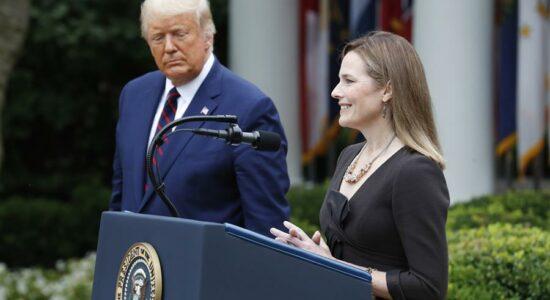 Trump indica Amy Coney Barrett para vaga na Suprema Corte