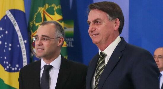 André Mendonça e o presidente Jair Bolsonaro