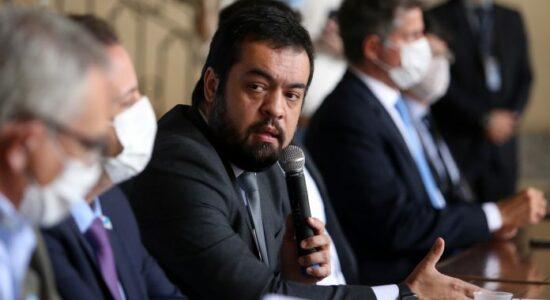 Governador em exercício Claudio Castro