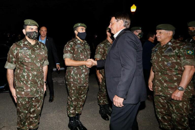Jair Bolsonaro arrastou multidão durante visita à cidade de Resende, no Sul do Rio de Janeiro