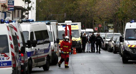 Paris foi palco de atentado com faca