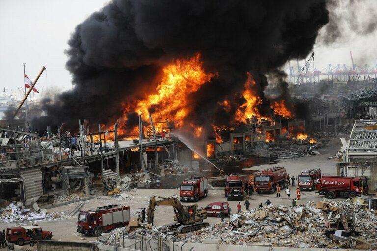 Incêndio atingiu porto de Beirute, no Líbano