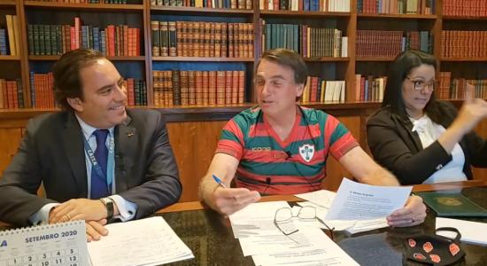 Presidente Jair Bolsonaro em sua live semanal