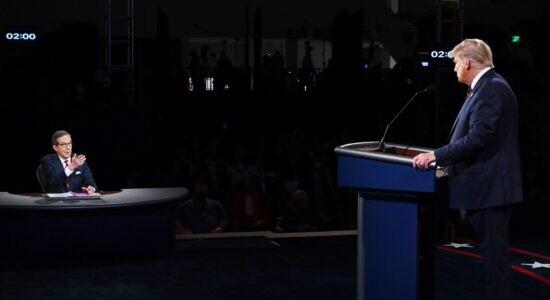 Chris Wallace foi alvo de críticas por mediação de debate americano
