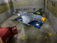 Primeiro caça Gripen chegou ao Brasil