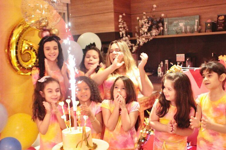 Sarah Farias comemorou o aniversário de seis anos da filha