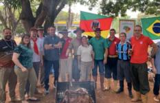 Bolsonaro participa de churrasco pelo Dia do Gaúcho