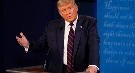 Trump discursa durante debate em Cleveland
