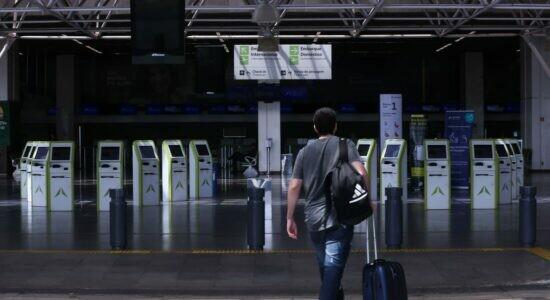 Governo federal libera entrada de estrangeiros por aeroportos de todo o País