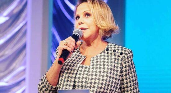 RedeTV! anuncia contratação da apresentadora Claudete Troiano