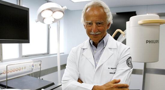 Médico urologista Miguel Srougi