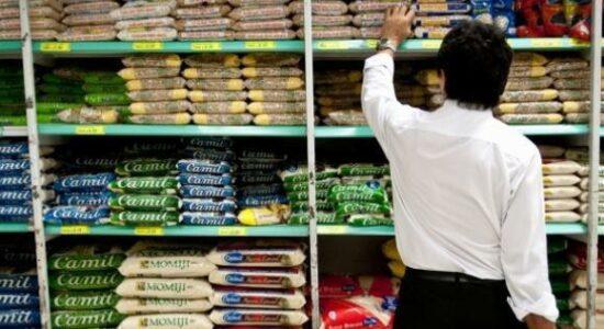 Governo zera imposto de importação de arroz para tentar conter alta nos preços