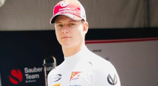 Filho de Schumacher vai pilotar Alfa Romeo em treinos livres do próximo GP de F1