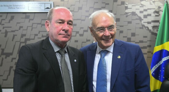 Ministro da Defesa, Fernando Azevedo e Silva, e o senador Arolde de Oliveira