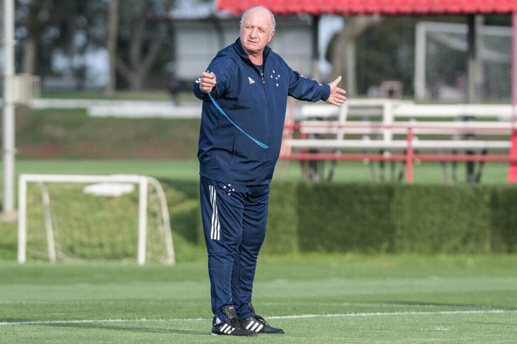 No comando do Cruzeiro, Felipão solicita contratação de meio-campista do Palmeiras