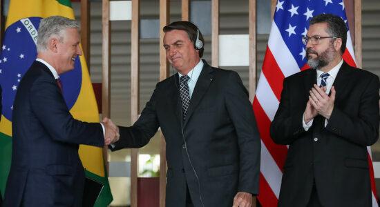 Presidente Jair Bolsonaro, ministro Ernesto Araújo e Robert O'Brien, conselheiro de segurança nacional dos EUA