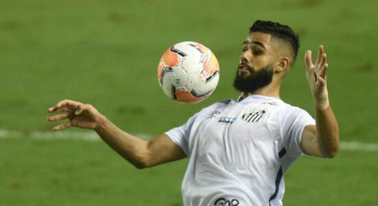 Santos vence com gols de jovens e sonha com melhor campanha da Libertadores