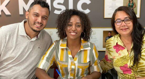 Priscila de Paula assina com a MK Network: Foi profético