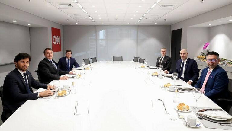 Presidente Jair Bolsonaro e comitiva visitam sede da CNN Brasil, em São Paulo
