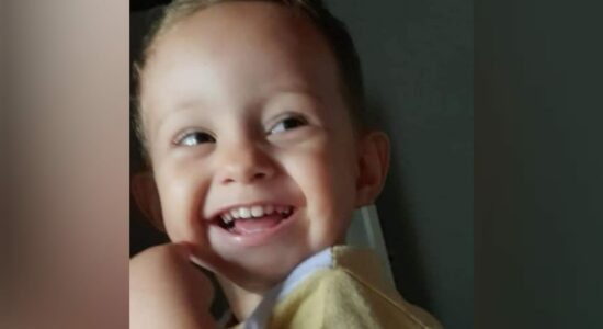 Lucas Emanuel, de apenas 2 anos, morreu após ficar engasgado com um doce