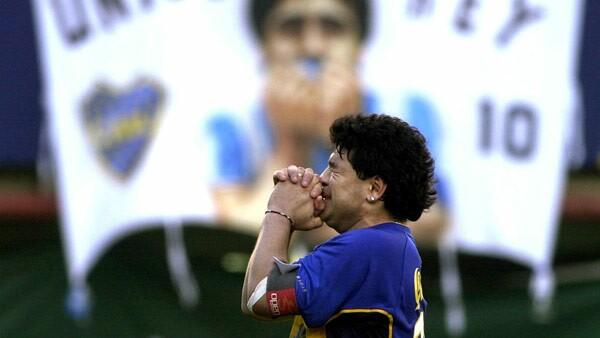Aos 60 anos, morre ex-jogador argentino Diego Maradona