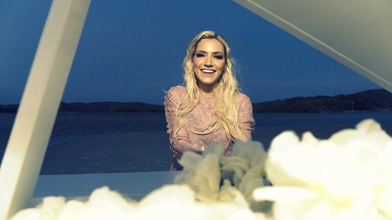 Marine Friesen lança Tu és Grande, pela MK Music