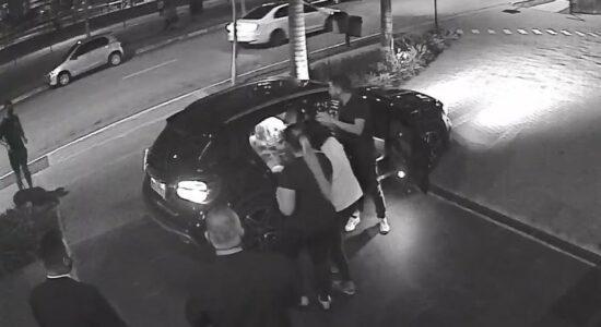 Laudo diz não ser possível afirmar que atacante Dudu agrediu a ex-mulher