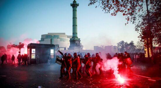 França tem novo grande protesto contra polêmica lei de segurança