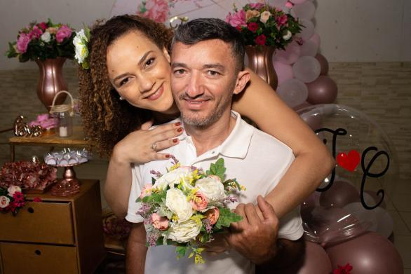 """Carolina e Ivonaldo: """"somos um casal de improváveis"""""""