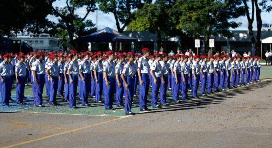 Escolas cívico-militares devem se espalhar ainda mais pelo Brasil