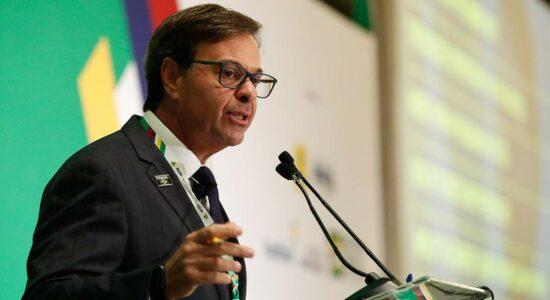 Ministro do Turismo, Gilson Machado, emitiu nota contra novo lockdown