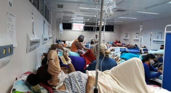 Hospital lotado em Manaus