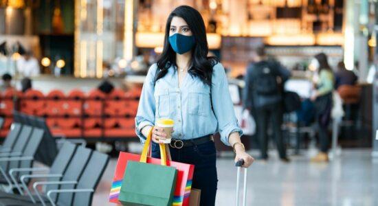Reino Unido reduz período de quarentena para viajantes internacionais