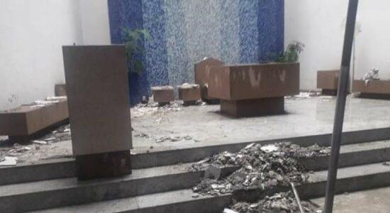 Em São Paulo, teto de igreja desabou sobre altar durante temporal