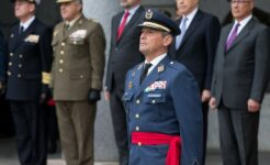 General Villaroya, chefe do Estado-Maior da Espanha, furou fila da vacina