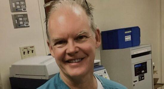 Médico morreu duas semanas após tomar vacina da Covid
