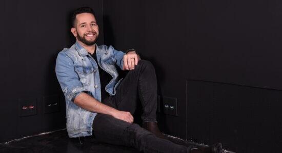 Pr. Lucas e Banda Universos lançam single Gênesis