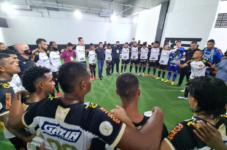 Jogadores de futebol enviam cilindros de oxigênio para Manaus