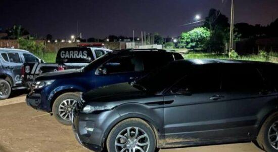 Veículos roubados foram encontrados com o grupo durante a ação policial
