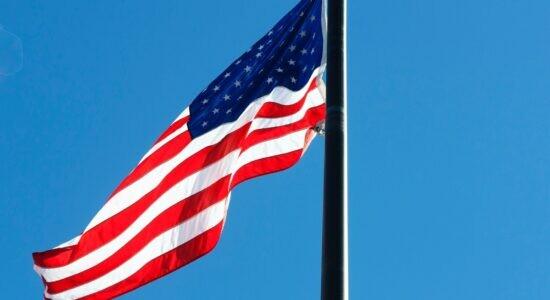 Senado dos EUA aprova pacote fiscal de 1,9 trilhão de dólares