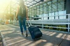 EUA vão exigir teste negativo de Covid de todos os passageiros internacionais