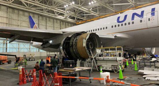 Análise revela desgaste em pá de motor do Boeing 777 que falhou
