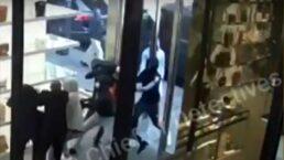 Grupo invade e rouba itens de uma loja Chanel em Nova Iorque