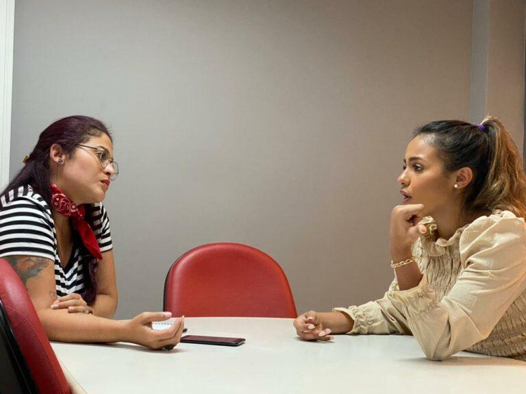 Julia Vitoria passou uma tarde na sede do Grupo MK, no Rio de Janeiro