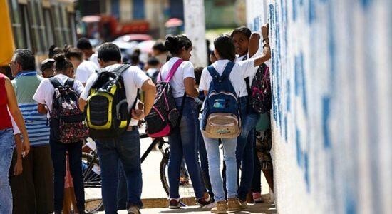 Escolas municipais de SP retomam as aulas nesta segunda-feira